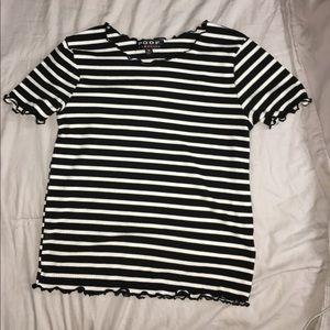 Basic but cute😉 black and white striped tee